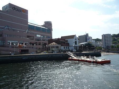 101008-よこすか軍港めぐり (14)