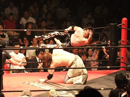 DDT 両国ピーターパン2011 〜二度あることは三度ある〜 MIKAMIvsポイズン澤田JULIE (4)