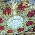 Photos: 天井画には座席の絵が