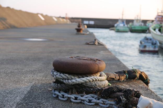 閑散とした漁港