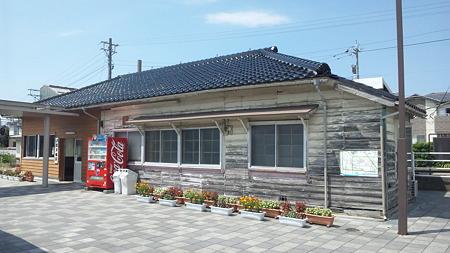 本津幡駅なぅ