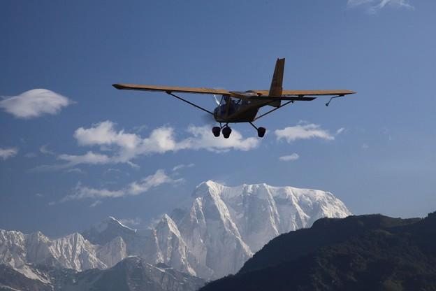 軽飛行機でマウンテンフライト