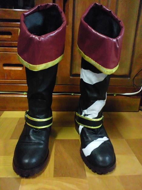 今日起きてから作業始めた木曾ブーツが完成したぞう!もう履かないと思ってたブーツが大活躍。