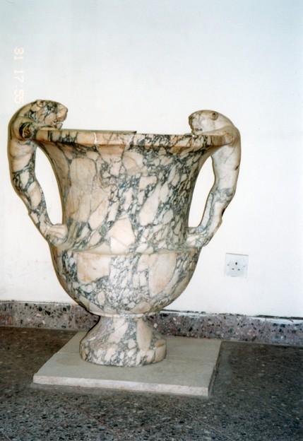 獅子の取手の容器 ペトラ遺跡 アル・ハビス博物館 ヨルダン   Al-Habis Museum in Petra