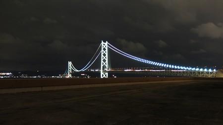 真珠の貴婦人 明石海峡大橋ライトアップ パールブルー