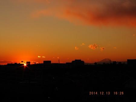 落日と富士 20141213-02
