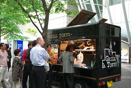 2010.05.26 東京国際ホーラム 昼時-2