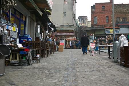 2011.01.28 トルコ イスタンブル リュステム・パシャ・モスクへは金物屋さんの道から
