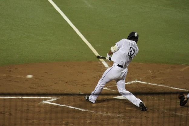 写真: 1アウト1.2塁で併殺