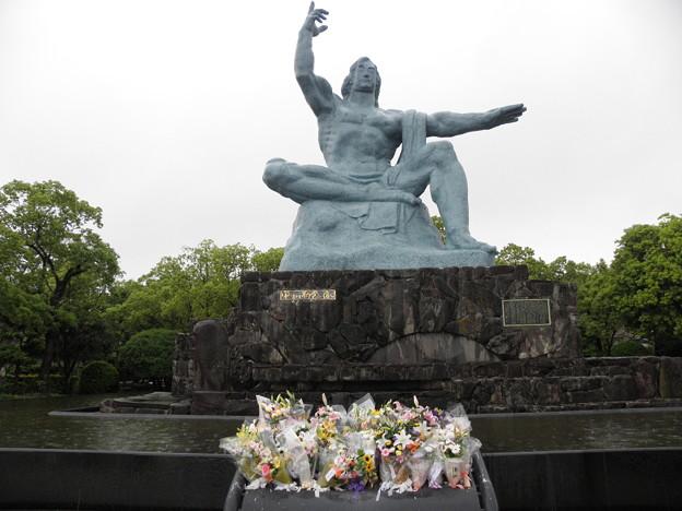 写真: 100519-17九州地方ロングツーリング・長崎の平和祈念像2