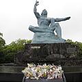 100519-17九州地方ロングツーリング・長崎の平和祈念像2