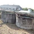 写真: コンクリート工場。近代化と...