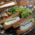 写真: C&C BREAKFAST OKINAWA(島豆腐とアボカドのサンドイッチ)