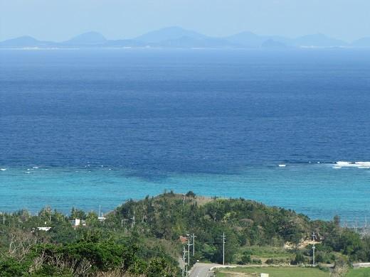 沖縄の海(今帰仁城跡にて)