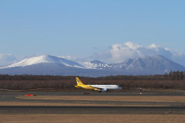 初冬の樽前山+A320 VNL