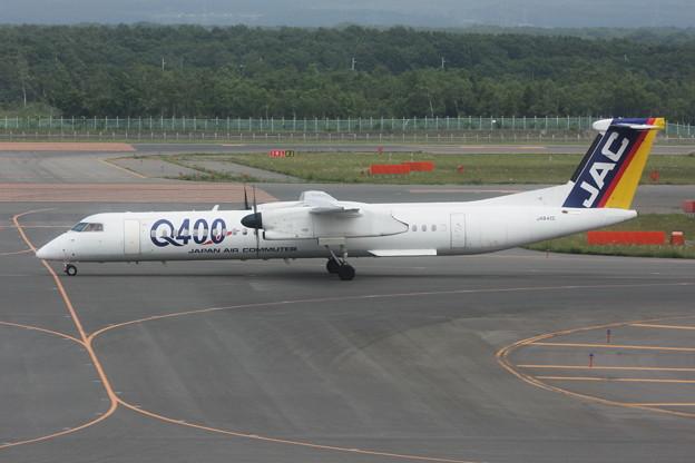 Q400 JA842C JAC [3X] 2008.7
