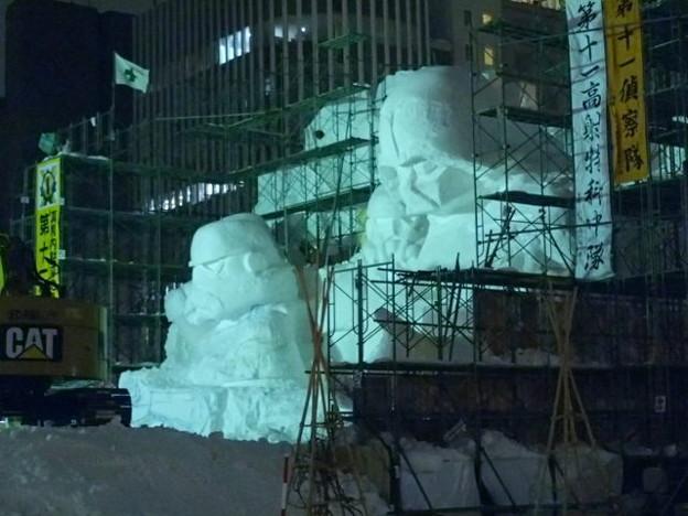 夕刻の大雪像