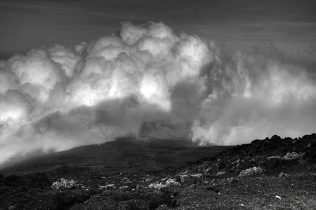 HDR モノクローム雲のある景色