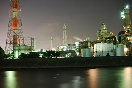 四日市の工場