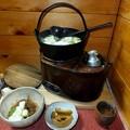 Photos: 湯豆腐と燗どうこ