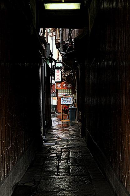 Photos: 雨の路地