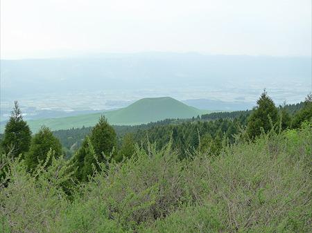 米塚(8)草千里展望所より