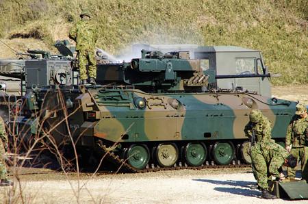 01戦車洗車中