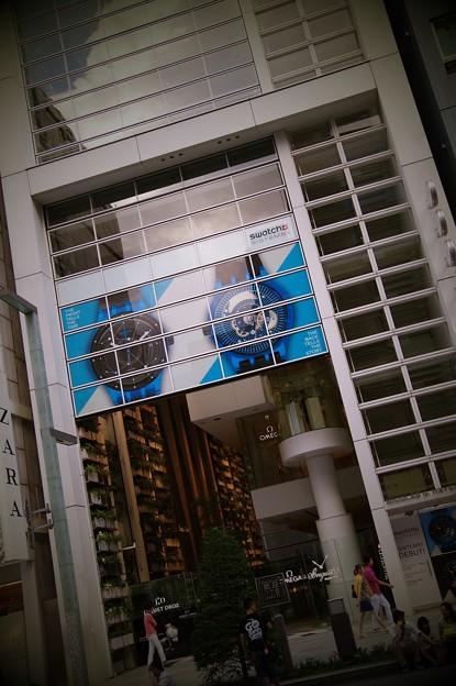 銀座にある高級時計の専門ビル スウォッチ・・20140629