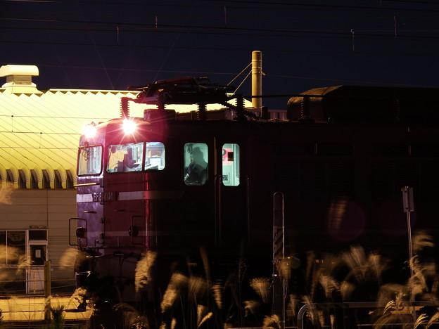 発車を待つEF81‐404牽引 2090レ vol.2
