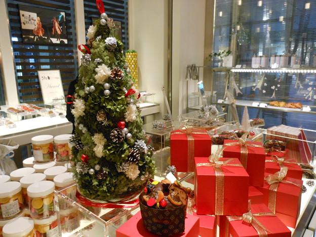 Photos: サダハル・アオキ*丸の内店のクリスマス