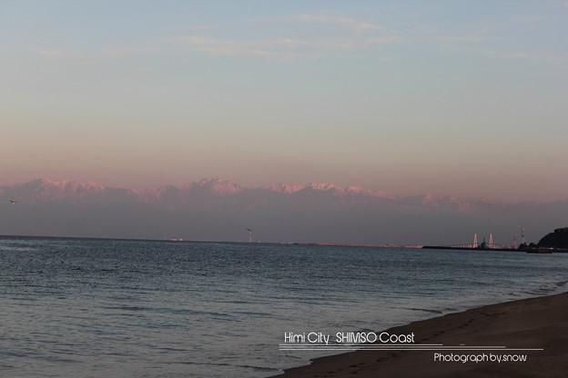 夕日に照らされる立山連峰