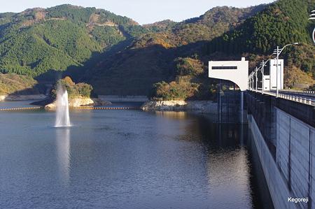 班蛇口湖の噴水
