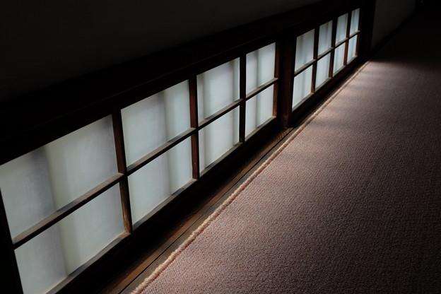 披雲閣の窓ガラス