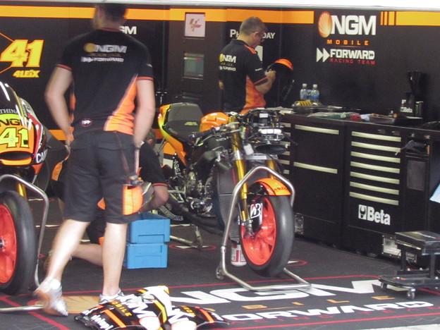 2014 NGM Forward Racing Yamaha MotoGP もてぎ IMG_2330