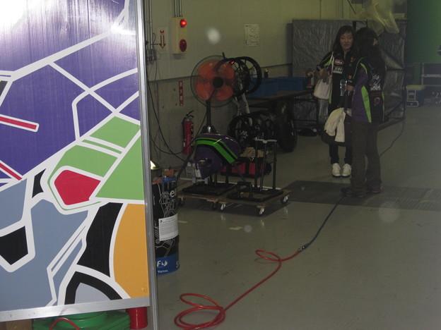 写真: 2014 鈴鹿8耐 KAWASAKI ZX-10R エヴァ シナジーフォースTRICK STAR 出口修 井筒仁康 グレゴリー・ルブラン316