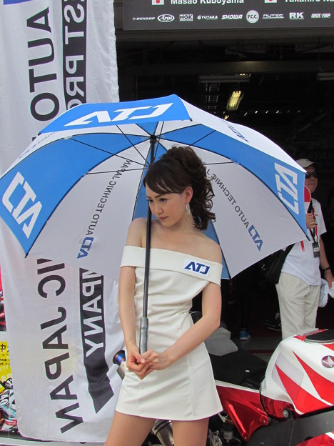 写真: 松瀬結衣 2014 鈴鹿8耐 浜松エスカルゴ H-TEC関東 PGR 久保山正朗 中津原尚宏 CBR1000RR 2