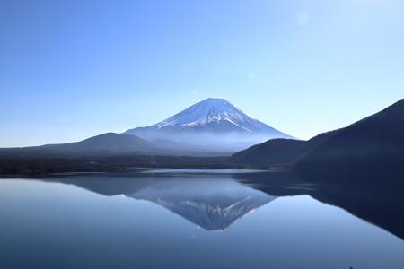 本栖湖 逆さ富士 (千円札の裏の絵)